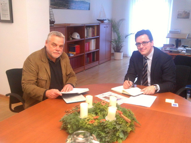 Kursleiter Herr Hans-Georg Haas und der Bürgermeister der Stadt Hardechsen Herr Michael Kaiser